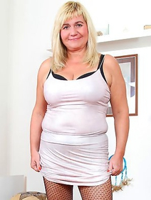 blonde women; busty; chubby; housewives; pantyhose; shaved pussy; solo;