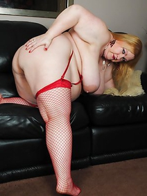 blonde women; chubby; masturbation; nude; shaved pussy; solo;