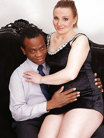 couple; housewives; interracial; pregnant; redhead;